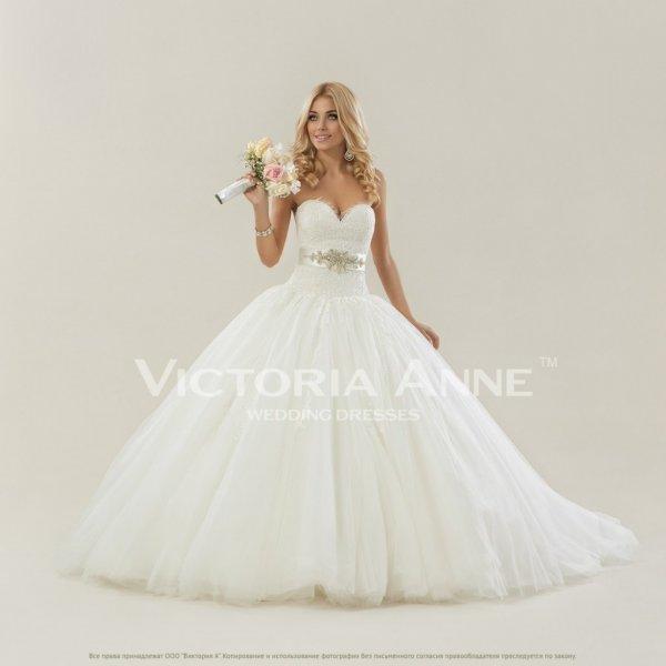 Пышные со шлейфом свадебные платья и цены