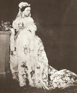 6de79a6ef44e753 Свадебные традиции: история белого платья невесты