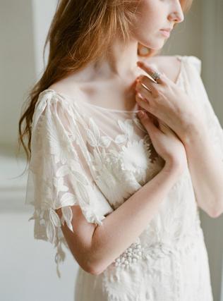 Крылышки для свадебного платья